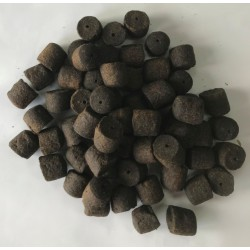 PowerFish pellet dla ryb, czarna porzeczka, kolor czarny, różne średnice op. 20 kg